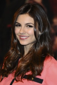 victoria justice long layered haircut
