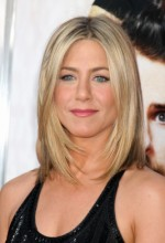 Jennifer Aniston shoulder length haircut