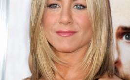 Jennifer Aniston shoulder length haircut