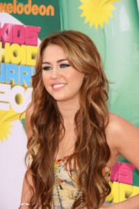miley cyrus with long hair curls