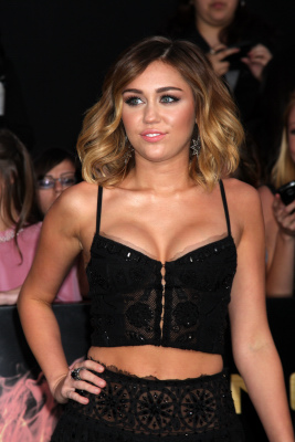 Miley Cyrus shoulder length front